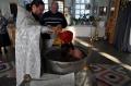 Обряд крещения в храме Петра и Павла
